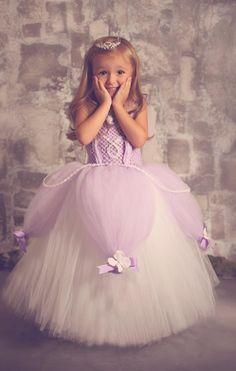Buy Princess Sofia the first baby Birthday Party Dress. Shop Sofia the first royal tutu costume dress Up for baby to toddler girl. Tutu Diy, No Sew Tutu, Diy Tutu Skirt, Tutu Skirts, Costumes Avec Tutu, Diy Costumes, Costume Ideas, Tutu Sans Couture, Sofia Costume