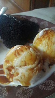 Chocolate cake with icecream