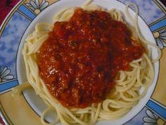 Bei Jessi musste es mittags schnell gehen, also gab es Fertigsauce zu Spaghetti. Als Mama kenn ich solche Essen und bin dankbar für die AUwahl in den Supermärkten heutzutage! Und schaut auch lecker aus!