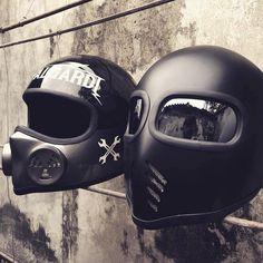 Indonesia's helmet game is 🔥🔥 . Bobber Helmets, Retro Motorcycle Helmets, Cool Bike Helmets, Cafe Racer Helmet, Cafe Racer Motorcycle, Cafe Racer Parts, Harley Davidson Helmets, Motorised Bike, Custom Helmets