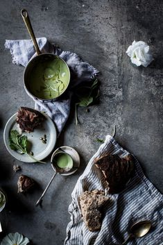Food Styling, Dark Food Photography, Mets, Creative Food, Food Design, Food Pictures, Food Inspiration, Soup Recipes, Smoothies