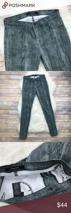 """J Brand Super Skinny Jeans in Woodgrain Excellent condition J Brand Super Skinny Jeans in Woodgrain. Size 27. 98% cotton, 2% elastane. Waistband 30"""", rise 8.5"""", inseam 30"""", cuff opening 10"""". No trades, offers welcome. J Brand Jeans Skinny"""