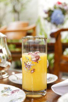 chá da tarde na Ilha das Flores, de Tania Bulhões