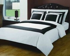 Modern Hotel Style Black and White 100 percent Egyptian Cotton Frame Duvet Comforter Cover and Shams Set. Bedding set includes duvet cover and 4 pillow shams. It features a large band accent for a chic 5 stars hotel look. Amazing decorating ideas for a M Comforter Cover, Comforter Sets, Duvet Cover Sets, Black Duvet Cover, White Duvet Covers, Hotel Style Bedding, Luxury Bedding, Modern Bedding, Luxury Linens