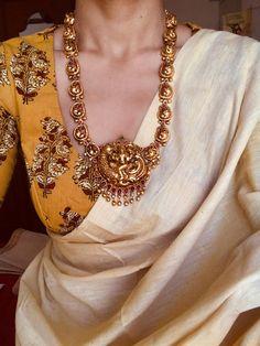 Silver Jewelry With Saree Kaufen Sie Silberringe Code: 2601215523 Facial Hair Indian Dresses, Indian Outfits, Saree Jewellery, Temple Jewellery, Simple Sarees, Sari Blouse Designs, Saree Look, Elegant Saree, Saree Dress