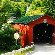 The Indiana Covered Bridge Festival is the largest festival in the state, located in Parke County. People come from all over to experience all the unique things the festival has to offer. The festival runs ever year in October and is absolutely worth a visit, especially if you know where to go.