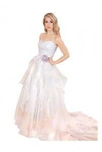 Trend Spotting: Ombre Wedding Dresses | http://seattlemetbrideandgroom.com/2014/07/trend-spotting-ombre-wedding-dresses/
