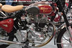 The 2002 Royal Enfield Bullet 500 single w/eye-pooping Pictures, Specs, History & more. Triumph Chopper, Triumph Bikes, Royal Enfield Classic 350cc, Shubh Diwali, Enfield Motorcycle, Royal Enfield Bullet, British Motorcycles, Cafe Racer Bikes, Classic Bikes