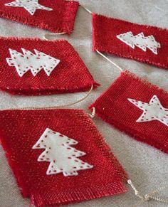Red burlap Christmas garland - Christmas trees and stars banner - Winter holidays decor