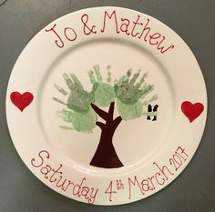 Large platter plate makes for a great gift.  Love this family tree, don't worry yes we help with the prints, and writing if you want us too.
