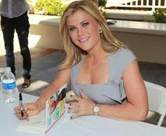 Alison Sweeney Photos - Actress Alison Sweeney attends the Annual Los Angeles Times Festival of Books - Day 2 at USC on May 2011 in Los Angeles, California. - Annual Los Angeles Times Festival Of Books - Day 2 Jen Widerstrom, Alison Sweeney, Days Of Our Lives, May 1, Photo L, Celebs, Celebrities, In Hollywood, Trendy Fashion