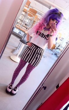 I love Pastelbat and all of her outfits. This Pastel Goth/Creepy Cute thing is one of the best fads to happen in fashion. Pastel Grunge, Estilo Goth Pastel, Pastel Punk, Pastel Goth Fashion, Kawaii Fashion, Cute Fashion, Gothic Fashion, Women's Fashion, Harajuku Fashion