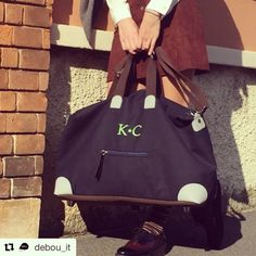 """Its name is """"U"""". It's the new bag produced by @filovia_official in partnership with #vibram . Tks to @debou_it #solocosebelle #solocapifirmatidame #bagU #personalized #filoviaricami #ricamimilano"""