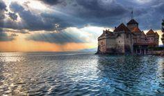 Envie d'évasion : les 17 plus beaux endroits.. en Europe ! Europe, Lichtenstein, Cathedral, Photos, Camping, Voici, Building, Places, Movie Posters