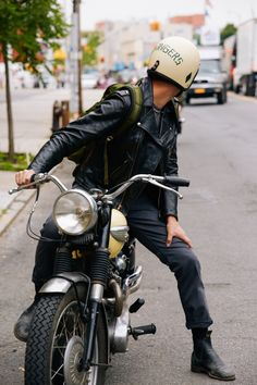 I kinda just want a boyfriend with a motorcycle for a little bit.