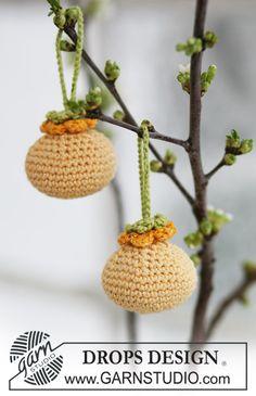 """Crochet """"Easter Balls"""" w/ Flower - Free Pattern"""