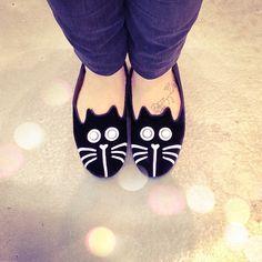 Cat loafer. #fashion #blackandwhite