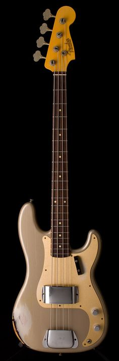 Fender Custom Shop 1959 P Bass Relic - I prefer the real deal, bit a lovely bass… Fender Bass Guitar, Bass Ukulele, Fender Guitars, Guitar Shop, Music Guitar, Art Music, Fender Precision Bass, All About That Bass, Fender Custom Shop