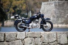 広島県のカスタムバイクショップ。HEIWA MOTORCYCLE(平和モーターサイクル)です。トライアンフ・BSA等の英車からSR400~FTRなどの国産車のカスタム、修理、メンテナンスをしております!