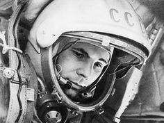 YURI GAGARIN pasó a la historia de la exploración espacial el 12 de abril de 1961, al convertirse en el primer ser humano en viajar al espacio. Pincha en la imagen y conoce su historia al detalle.