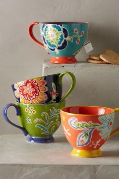 I love the colors of these mugs