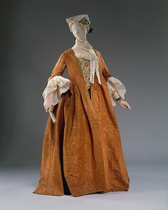 "Robe battante / robe volante – front A loose fitting gown for ""undress.\"" MET – Robe battante / robe volante – front A loose fitting gown for… 18th Century Dress, 18th Century Clothing, 18th Century Fashion, Mid Century, Vintage Dresses, Vintage Outfits, Vintage Fashion, Historical Costume, Historical Clothing"