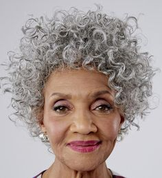 ♥️Gorgeous😘 Gray hair don't care. Salt and pepper gray hair. Grey Hair Don't Care, Grey Curly Hair, Silver Grey Hair, Short Grey Hair, Curly Hair Styles, Natural Hair Styles, White Hair, Ageless Beauty, Great Hair