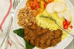 Zelf rendang maken Indian Food Recipes, Asian Recipes, Healthy Recipes, Ethnic Recipes, Slow Cooker Recipes, Cooking Recipes, Good Food, Yummy Food, National Dish
