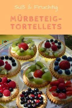 Habt ihr Lust auf Obstkuchen mal anders? Diese fruchtigen Törtchen sind unser Lieblingsgebäck im Sommer und eignen sich auch wunderbar für Kinder. Ob mit frischen Beeren, Kiwi, Ananas, Weintrauben oder anderen Früchten - Mürbeteig-Tortellers gehen immer und besonders gut zur Gartenparty: http://www.familienkost.de/rezept_fruchtige_muerbeteig-torteletts.html