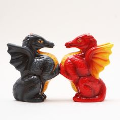Medieval Dragon Ceramic Salt & Pepper Shakers.Magnetic Attached.Cute