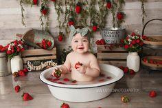 Milk Bath Photos, Bath Pictures, Baby Girl Pictures, Baby Photos, Toddler Photos, Milk Bath Photography, Birthday Photography, Newborn Baby Photography, Indoor Photography