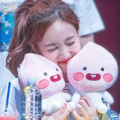Im Nayeon, Kpop Girls, Brown Hair, Girl Group, Give It To Me, Personal Care, Beauty, Brown Scene Hair, Self Care