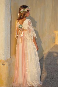 Première Communion, Girls Dresses, Flower Girl Dresses, First Communion Dresses, Amelie, Kids Fashion, Hair Beauty, Glamour, Wedding Dresses