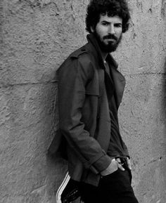 Brad Delson - nothing like a talented guitar playing hot guy w/ a fro'.