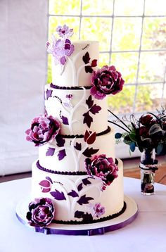 The Bridal Dish is in Love with this Wedding Cake! Still looking for your wedding cake?: http://www.thebridaldish.com/vendors/listings/C2