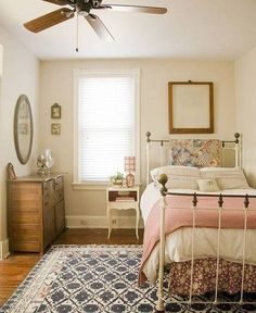 Small Teenage Girls Bedroom Ideas, or guest bedroom, if you haven't a larger room.  I would love this as my own!!!:
