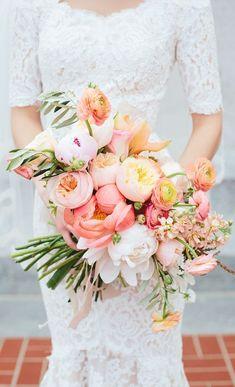 bouquet de la mariée   inspiration photographe mariage essonne #weddinginfrance #frenchwedding Wedding Bouquet - Travis J Photography