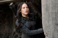 """...doch dann gewinnt Katniss Everdeen  (Jennifer Lawrence) die """"Hunger Games""""..."""