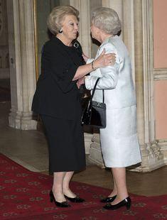 Queen Elizabeth II Photo - Queen Elizabeth II Accompanied By The Duke Of Edinburgh Holds A Lunch For Sovereign Monarchs