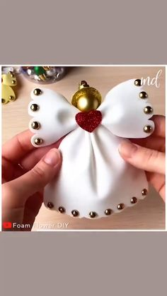 Easy Christmas Decorations, Christmas Card Crafts, Christmas Lanterns, Diy Christmas Ornaments, Christmas Fun, Preschool Arts And Crafts, Diy And Crafts, Princess Crafts, Snow Angels