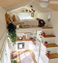 tiny house decor, tiny house design, tiny house interior, modern living room, living room decor We like spacious and airy interiors but the truth is a large house poses high demands in terms of costs and general maintenance Design Room, Interior Design Living Room, Interior Modern, Small Room Interior, Cosy Interior, Modern Decor, Tree House Interior, Small Room Design, Loft Design