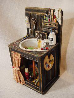 miniature art studio sink is part of Doll house - Miniature Art Studio Sink artStudio Sink Miniature Rooms, Miniature Crafts, Miniature Houses, Miniature Furniture, Dollhouse Furniture, Fairy Furniture, Barbie Furniture, Diy Dollhouse, Dollhouse Miniatures