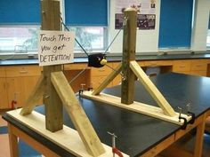 Check out this awesome projectile motion lab with an Angry Birds tie in! Sure to get your students excited about physics! Physics Projects, Physics Lessons, Learn Physics, Physics Lab, Physics Experiments, Engineering Projects, Physical Science, Science Education, Teaching Science
