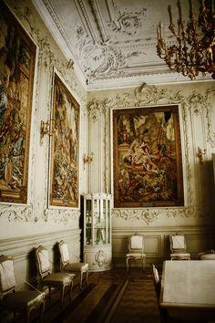 gorgeous interior door at Peterhof Palace, St. Petersburg ...