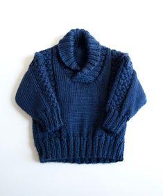 bebés poco preppy! nuevo suéter de cable grueso en un elegante azul marino de punto a mano. dulzura!  hilado: acrílico tamaño: 6-9 meses  pecho: 18 pulgadas cintura: 16 pulgadas longitud: 10 pulgadas costura de hombro a hombro: 10,5 pulgadas longitud de la manga: 6 pulgadas  ««««««««««««««««««««««««««««««««««««««««««««««««««««««««««««««««««««««««  envío de barco enviados  todo poco pretties se envían por el USPS dentro de 2 días hábiles!  https://www.etsy.com/shop/mamahawker/Policy «««---por…