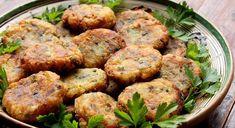 Baked Aloo Tikki Recipe (Spicy Potato Patties or Cutlets) Indian Potato Recipes, Easy Potato Recipes, Spicy Recipes, Indian Food Recipes, Ethnic Recipes, Cooking Recipes, Aloo Tikki Recipe, Chaat Recipe, Ragda Patties Recipe
