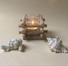 Petit photophore agrémenté de bois flotté Decoration, Table, Furniture, Home Decor, Wood Ornaments, Small Candle Holders, Objects, Abstract Paintings, Jar Candle