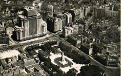 1950. Plaza de España, antes de construir la Torre Madrid
