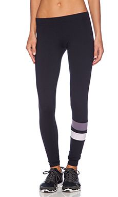 SOLOW Contrast Leg Band Legging in Black & Fog & Frost