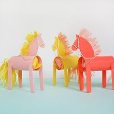 These painted cardboard and popsicle stick horses are a great way to gift wrap a small treat, like a handful of candies or any other tiny tr Diy Craft Projects, Diy And Crafts, Crafts For Kids, Arts And Crafts, Paper Towel Roll Crafts, Paper Crafts, Horse Party Favors, Horse Birthday Parties, Stick Horses